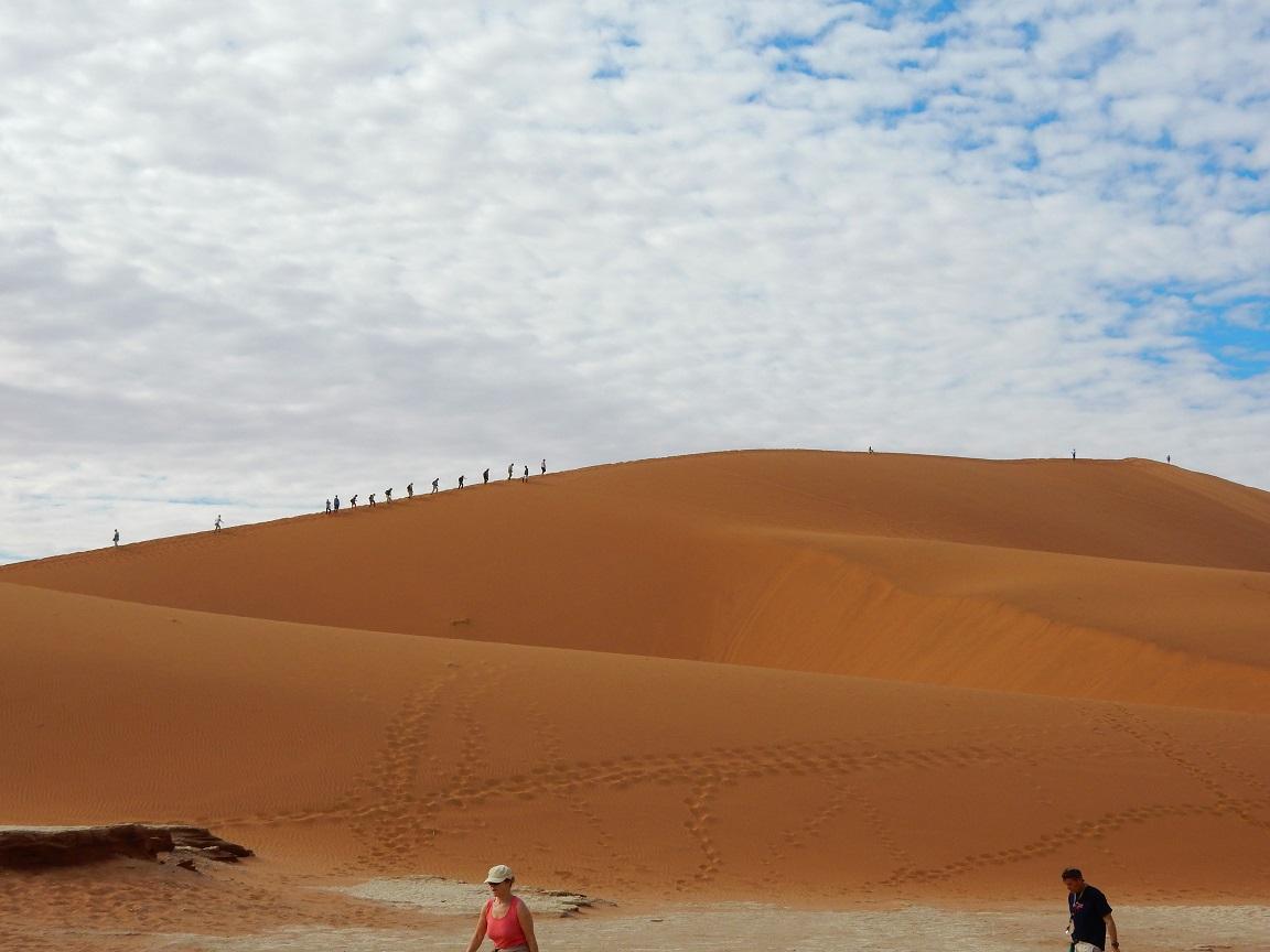 dunes immenses de sable rouge